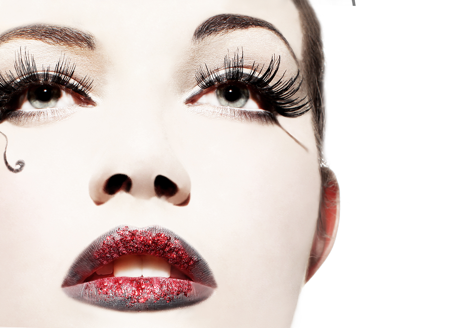 MAKE-UP ARTISTRY FOR BEGINNERS: A Complete 17 Days Tuition